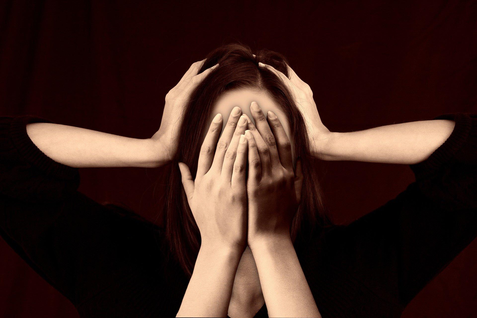 Frau mit psychischen Problemen